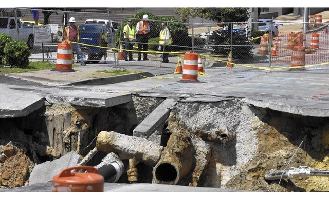 Sinkhole Forms on Mulberry In Mount Vernon
