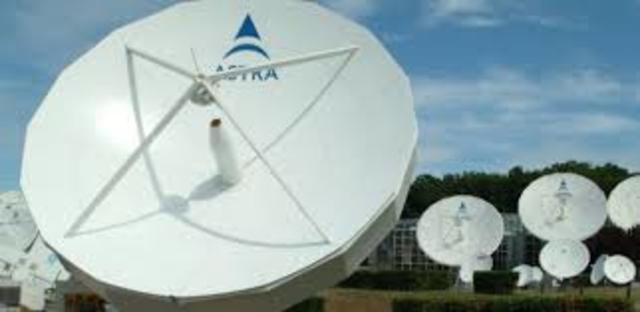 Nacen las plataformas digitales por satélite.
