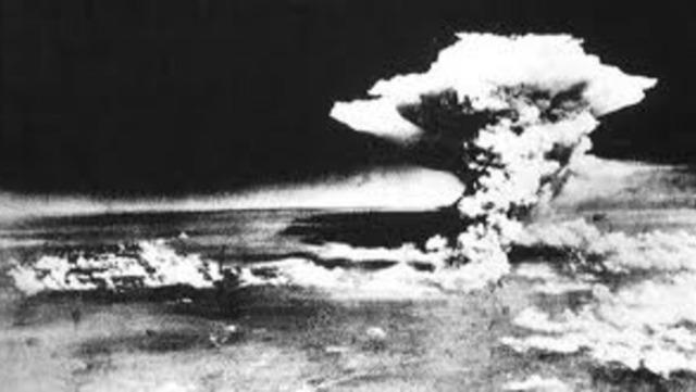 Atomic Bomb Bropped on Hiroshima