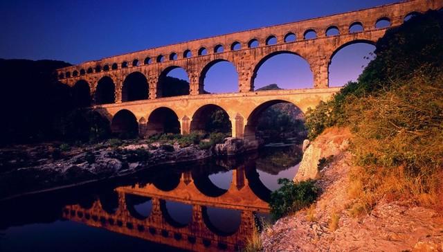 acueductos ( Pont du Gard )