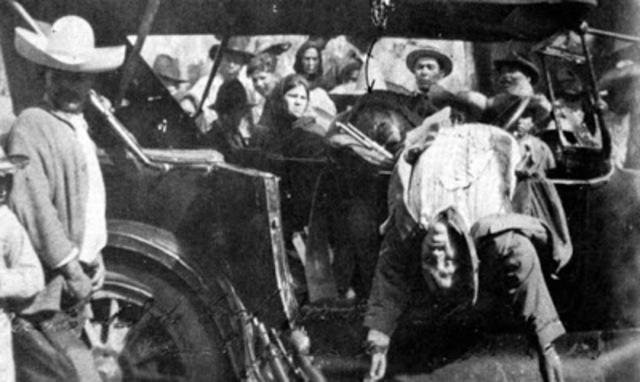 Pancho Villa es emboscado y asesinado en Parral, Chihuahua