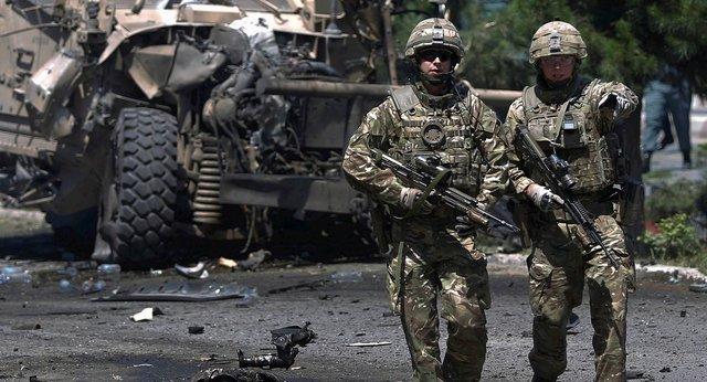 LA OTAN AL MANDO
