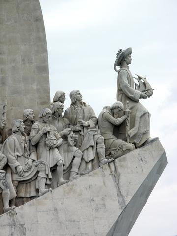 Vasco De Gama sails for india