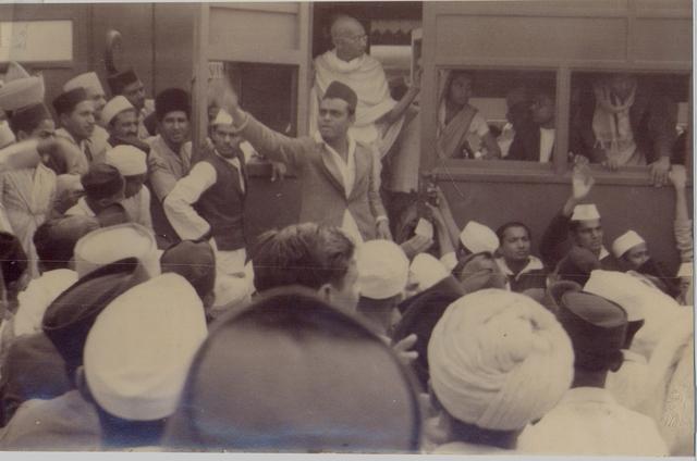 Mohandas Gandhis leadership of the INC.