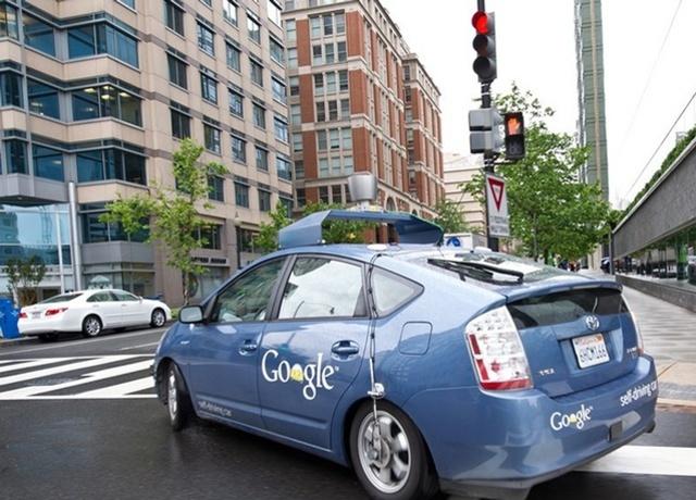 Google empieza a desarrollar un vehiculo sin conductor