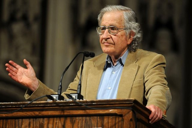 Transformalismo: Noam Chomsky