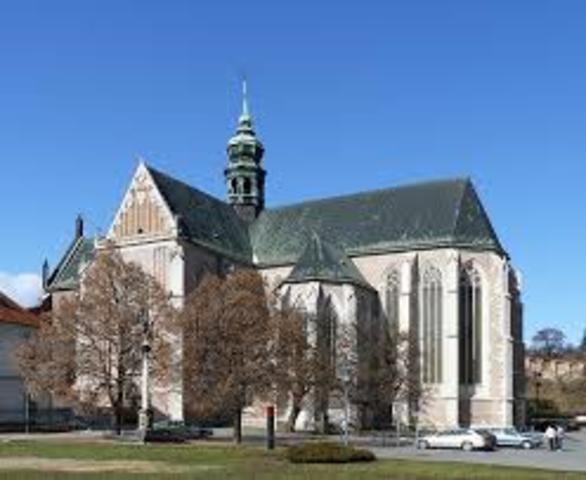 Ingresa al Convento de Agustinos de Brünn.