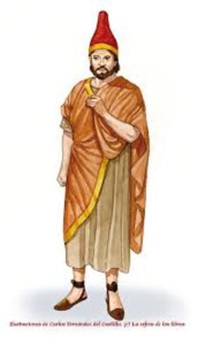 Primer sacerdote plebeyo.