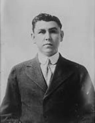 Adolfo de la Huerta asume la presidencia