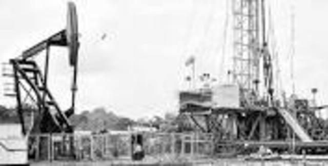 Fin del primer auge petrolero.