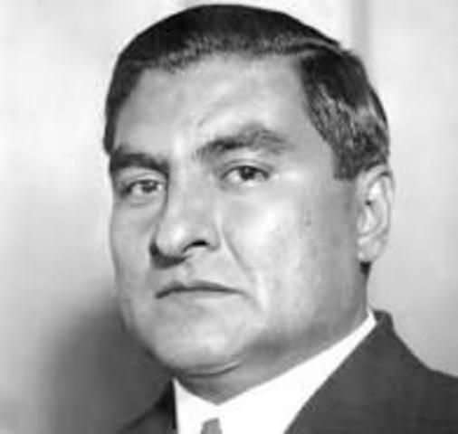 Emilio Portes Gil en sustitución de Obregón.