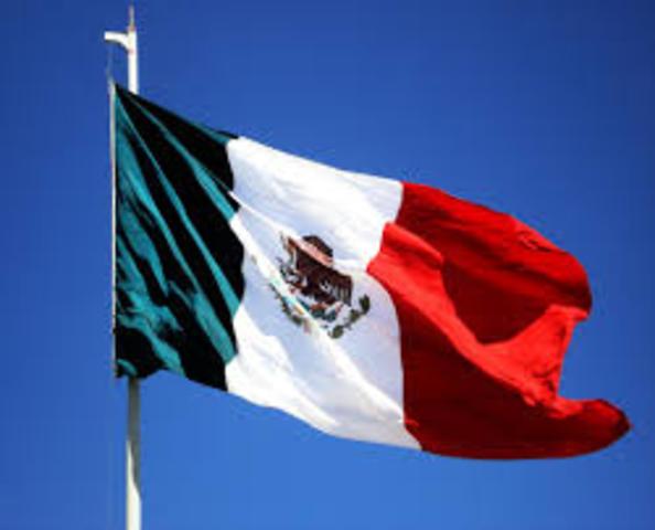 Es celebrado por vez primera el Día de la Bandera.