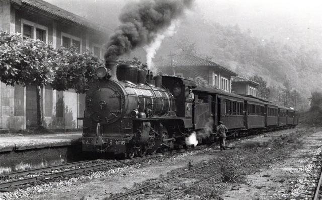 Inauguración del primer ferrocarril de México