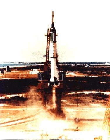 America's First Manned Space Exploration