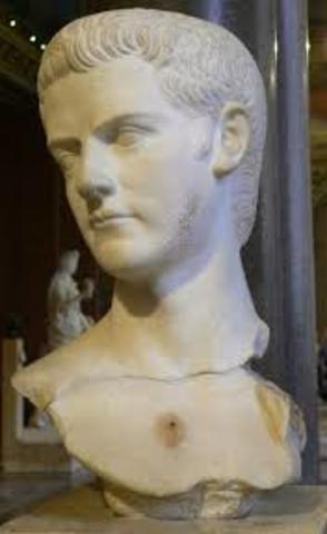 Caligula nombrado Emperador