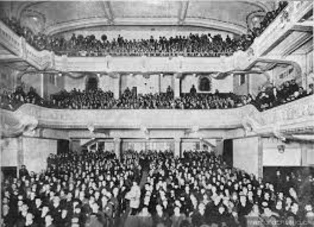 Creación de salas de cine con música
