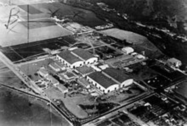Warner Bros. construye el primer estudio sonoro