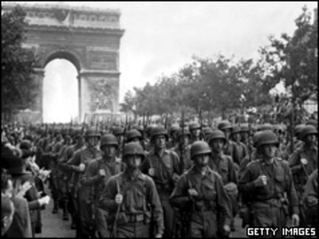 Allies Liberate (Free) Paris