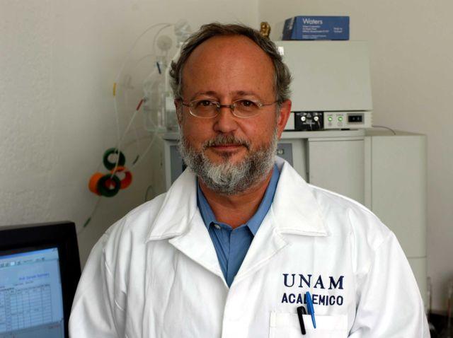 Premio al Dr. Alejandro Alagón del Instituto de Biotecnología UNAM