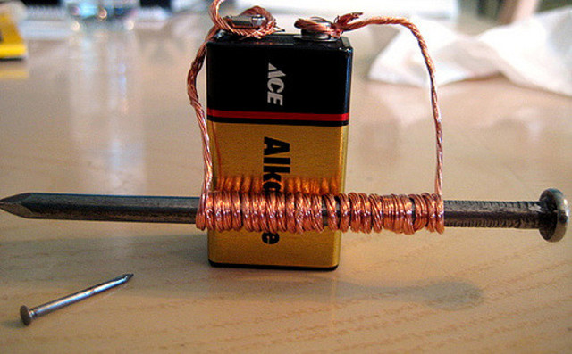 invención del electroiman