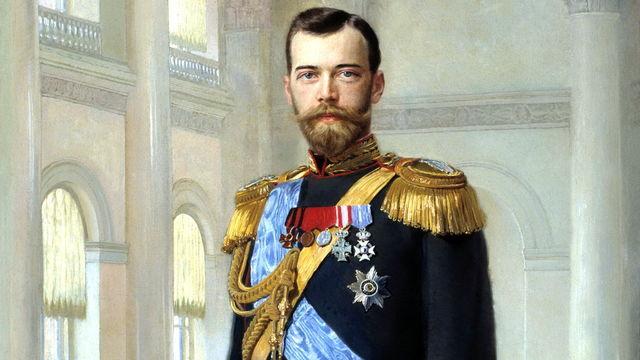 El zar Nicolás II ordena la movilización de todas las fuerzas armadas