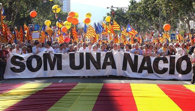 """""""SOM UNA NACIÓ, NOSALTRES DECIDIM"""""""