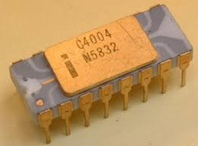 Primer microprocesador Chip 4004.