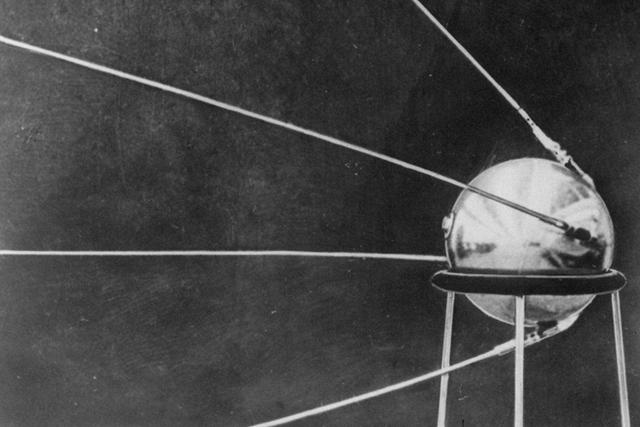 El primer satélite