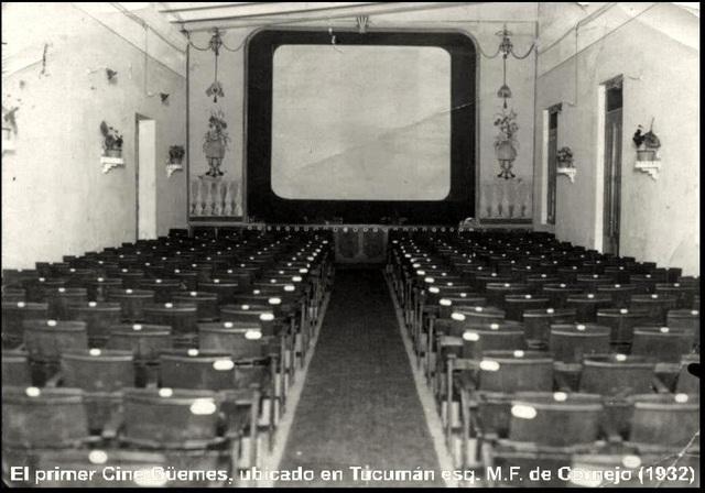 Aparece el primer cine como espacio físico