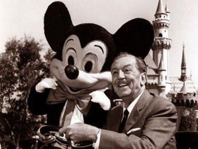 Nace Walt Disney