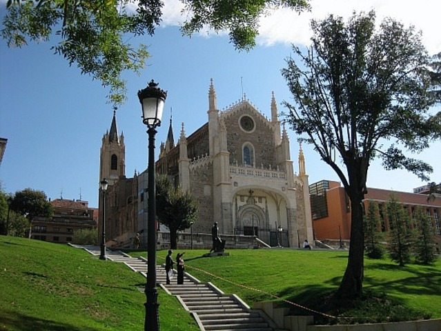 Spain converts to catholicism