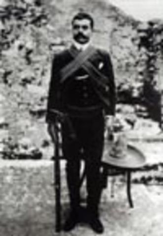 Zapata hace su aparición