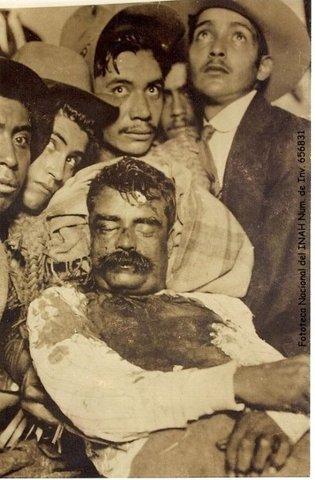 Emiliano Zapata es acribillado