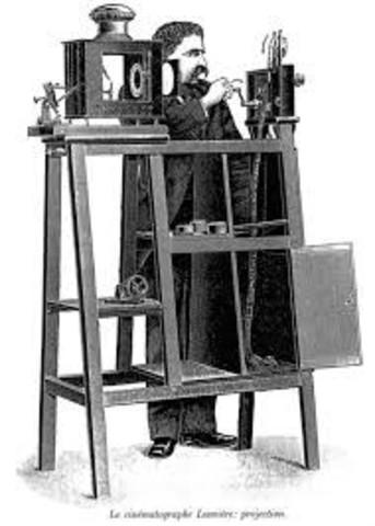1895 HERMANOS LUMIERE CREACION DE LA CAMARA DE VIDEO PORTABLE LLAMADO CINEMATOGRAFO