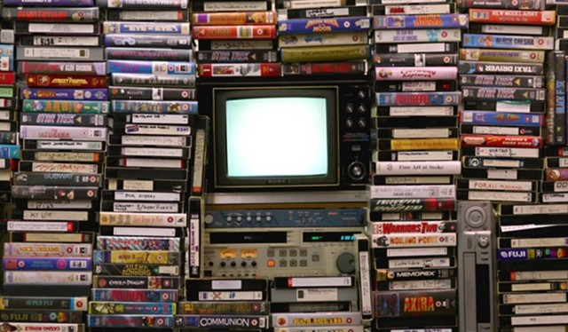 1971  SE INVENTA EL VHS POR JBS.