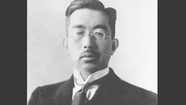 Hirohito comes into power