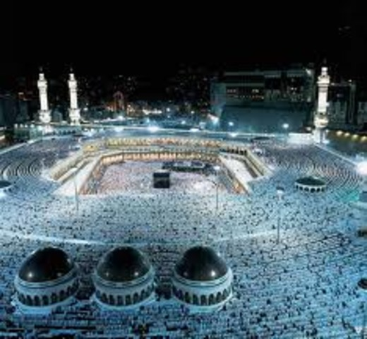 Muslims Occupy Mecca