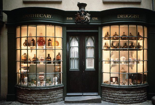 16th - 17th Centuries - Apothecary