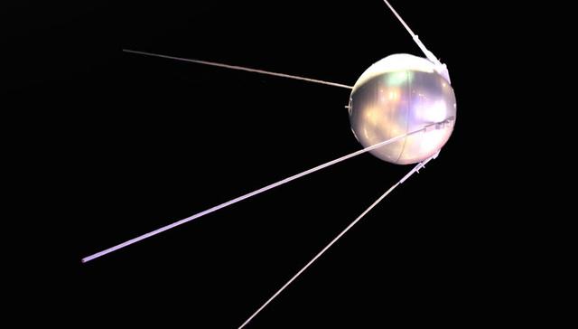 1957:  Inteligencia artificial. Lanzamiento del Sputnik I.