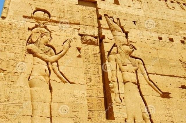 Los muros y los corredores de las pirámides