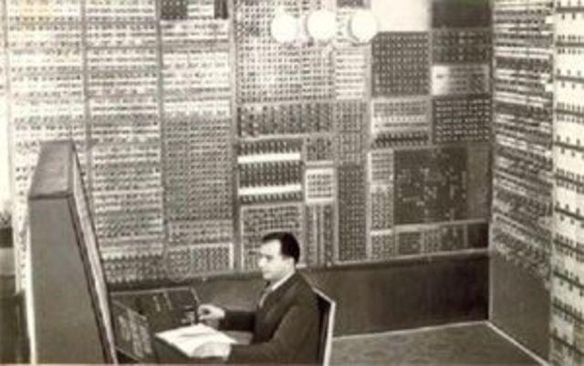 МЭСМ (Малая электронная счётная машина)