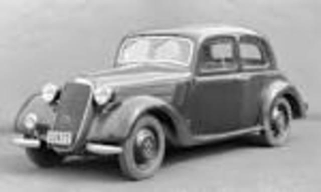 automóvil moderno, el super aerodinámico Chrysler Airflow y De Soto Airflow