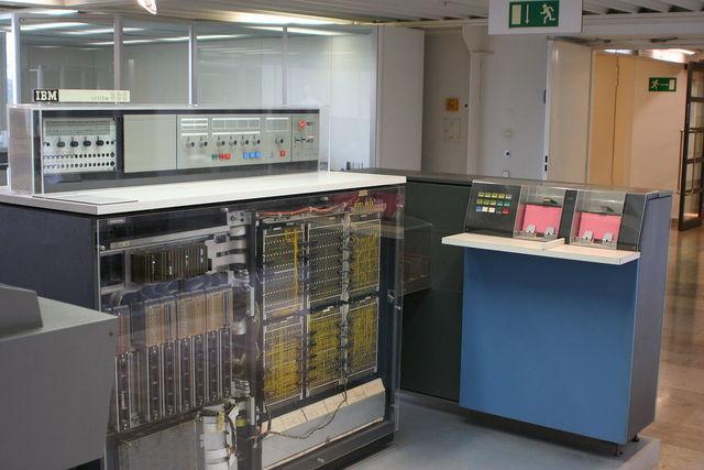 IBM выпустила компьютер 1MB System 360