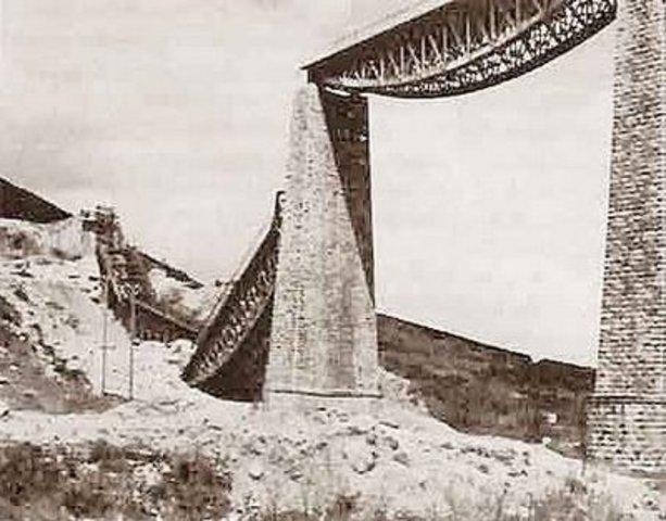Ανατίναξη της γέφυρας του Γοργοπόταμου από Έλληνες αντάρτες