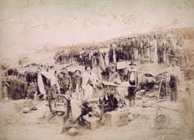 Guerra de Canudos no sertão nordestino.