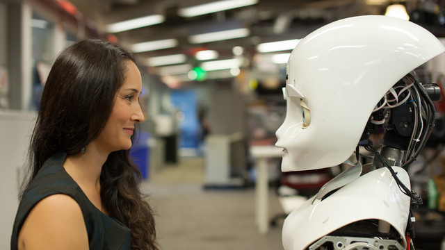 Cinthya Breazeal - MIT - Social intelligent machines