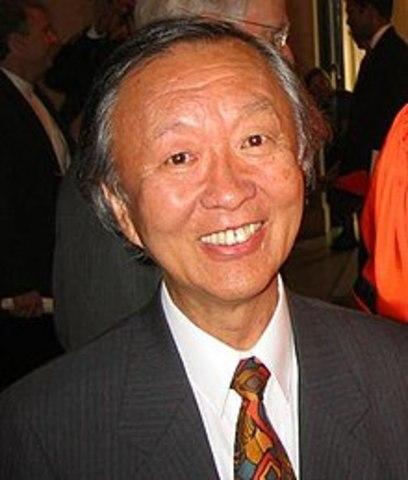 Primer uso de la fibra óptica para conversaciones telefónicas por Charles Kao