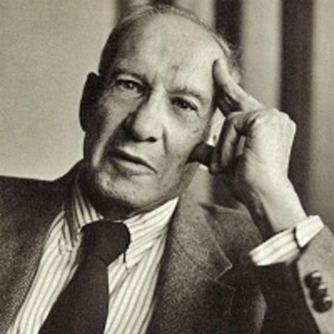 """П. Друкер сконструировал концепт """"общество знаний"""". Начиная с 1970 г. все чаще стали использовать термин """"информационное общество""""."""