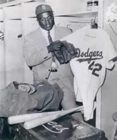 Jackie retires from baseball