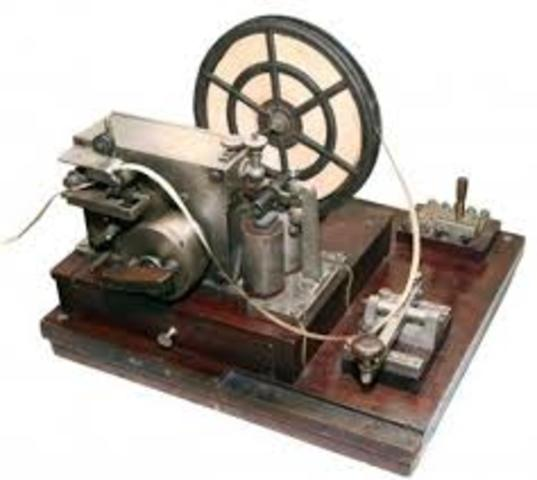 Telégrafo eléctrico. Elaboración de uno: https://www.youtube.com/watch?v=d0pr-BsPT4c